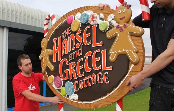 Longleat Safari Park 3D sign - hansel and gretel - The Grain - Theme Park Signage